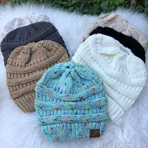 ✨Ponytail Chunky Knit Beanie Cap(Assorted Colors)✨